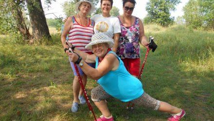 Клуб скандинавской ходьбы «Белые ходоки» приглашает гомельчан на праздничный флешмоб и мини-поход