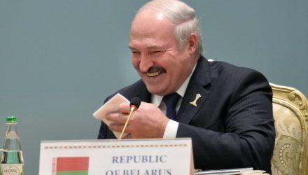 Лукашенко пошутил над своими похоронами и двойником