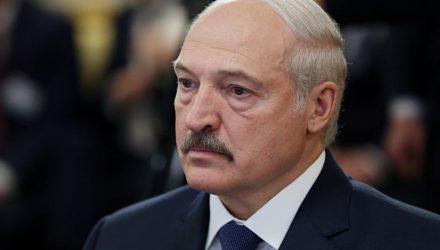 Лукашенко обвинил россиян в варварском отношении к Беларуси