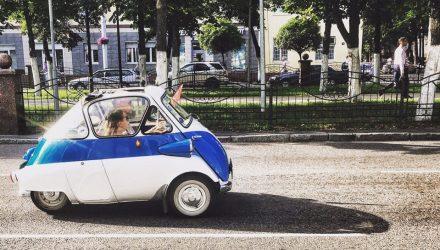 В Гомель зарулила крутая бибика BMW и произвела настоящий фурор