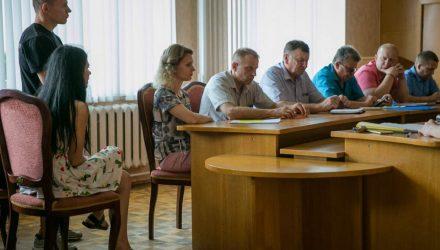 """""""Приходят и говорят: """"Хочу зарплату 1000 рублей"""". Как работают комиссии по тунеядцам"""