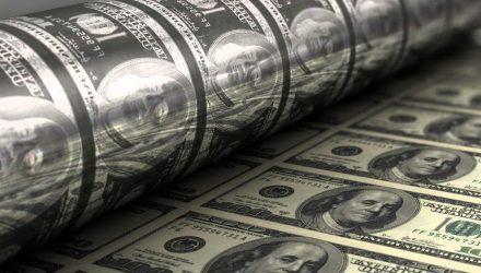 Доход в 750 тысяч долларов задекларировал житель Пинска. Деньги пришли из-за границы
