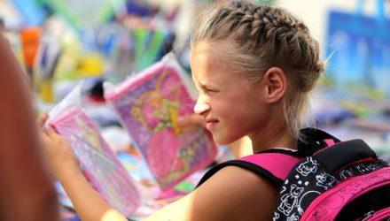 В Гомеле школьные ярмарки ждут покупателей. Что почём?