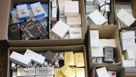 Гомельские таможенники изъяли 400 единиц духов, туалетной воды и прочей косметики на $15000