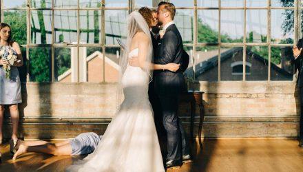 Парень выложил неудачный кадр со свадьбы, и его фото назвали лучшим в мире