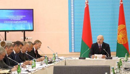 Лукашенко поменяет правительство за «пофигическое отношение» к своим поручениям (видео)