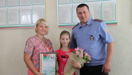 """""""Эй! Что ты там делаешь?"""" В Петриковском районе храбрая женщина помогла задержать домушника"""
