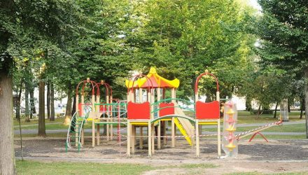 В Гомеле в сквере Громыко вырос детский городок