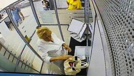 В Гомеле милиция объявила в розыск женщину, чтобы... вернуть ей забытый в банке кошелёк с деньгами