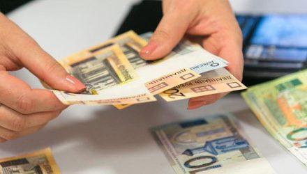 Сразу в трёх районах Гомельщины зарабатывают больше жителей областного центра