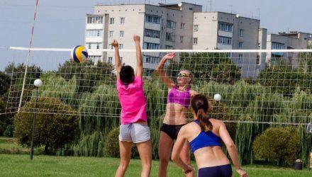 В Гомеле завершился чемпионат города по пляжному волейболу. Горячие фото прямо с песчаных площадок
