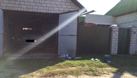 В частном доме Добруша обнаружена повешенной женщина. Её мужа с порезанными венами нашли в гараже
