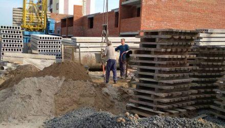 """""""Если кратко, нет порядка и вообще..."""" В Чечерске пьяные каменщики строили дом"""