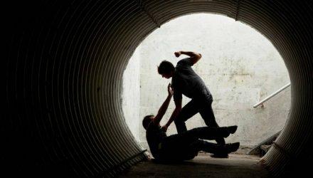 3 удара, которые спасут тебя в уличной драке (18+)