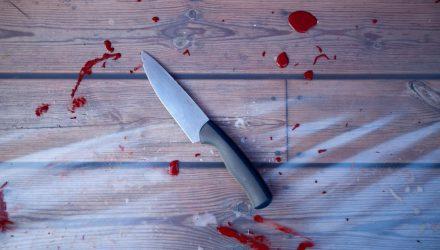 Подросток зарезал бабушку, потому что не хотел идти в школу