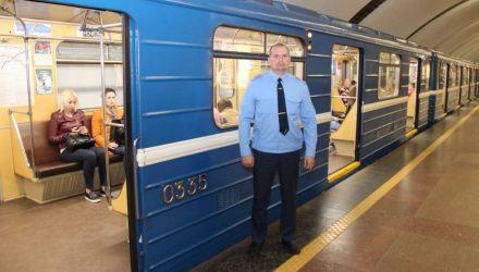 В минском метро столкнулись два поезда. Метрополитен: Был сцеп и расцеп составов