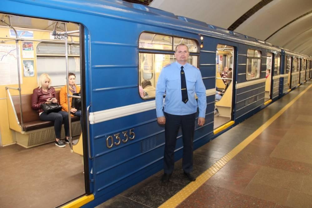 Андрей Какошин сегодня у того самого поезда, который вчера «застрял» и уже в строю