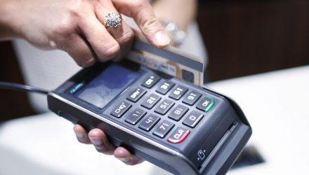 16 сентября возникли сложности при расчётах банковскими картами: сбоили терминалы в Гомеле и Минске