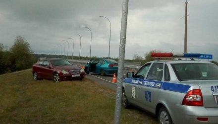 Под Светлогорском лихой разворот девушки-водителя на Mercedes привёл к травмам женщины-пассажира