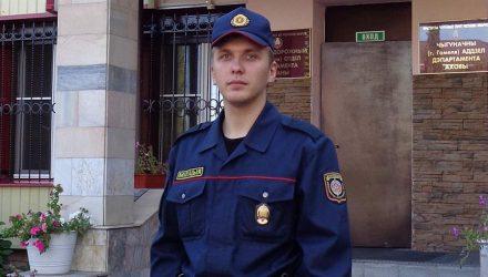 В Гомеле правоохранитель в свой выходной задержал пьяного неадеквата на авто