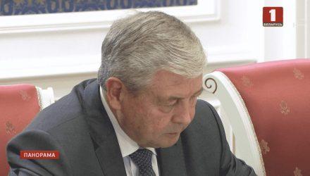 Фотофакт: на совещание к Лукашенко срочно вызвали даже снятого с должности Семашко