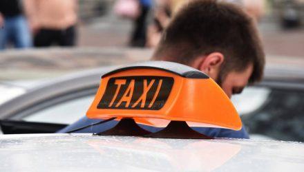Таксист пытался изнасиловать француженку в центре Москвы, но получил отпор