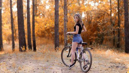 Гомельчане жалуются на велосипедистов, которые колесят по Гомельскому парку, хотя это запрещено