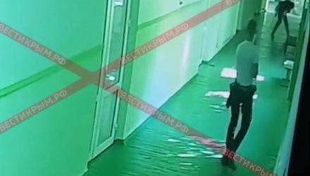В интернете появилось шокирующее видео с расстрелом в керченском колледже (18+)
