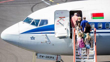 Пилоты назвали истинную причину запрета телефонов на борту
