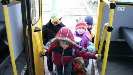 В Гомеле школьники будут ездить на маршрутках бесплатно, но при одном условии