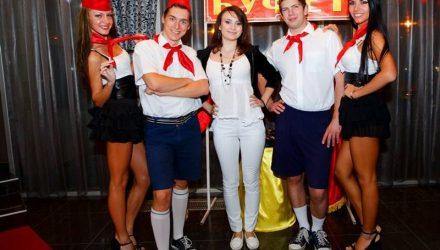 Гомельские студенты споют в караоке советские хиты