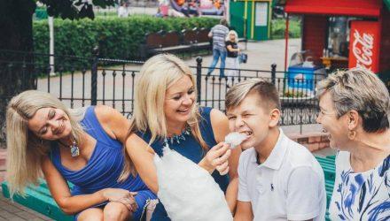 Когда белоруски становятся мамами и какое пособие получают по материнству. В стране – День матери