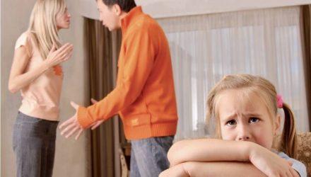 В Гомеле любящий муж подарил 2-летней дочке квартиру, поссорился с женой и теперь может оказаться на улице
