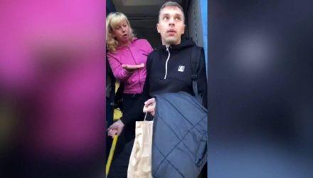 """У мене такси, чи шо?"" В Украине пассажира пинком выкинули из поезда на Москву (видео)"