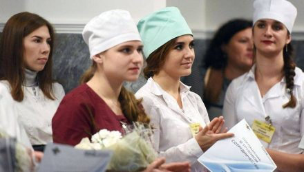 Плюс 23. Гомельская областная больница приняла на работу молодых специалистов