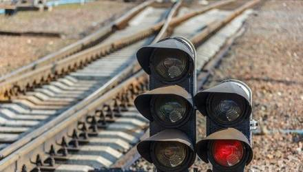 Житель Лунинца бросился под поезд из Гомеля и погиб на месте