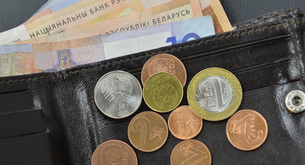 Минфин обещает дальнейший рост зарплат бюджетникам