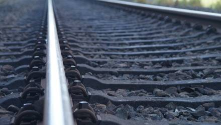 Мужчина погиб под колесами пассажирского поезда вблизи Рогачёва