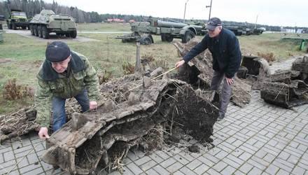 Фрагменты легендарного советского танка раскопали в Ветковском районе