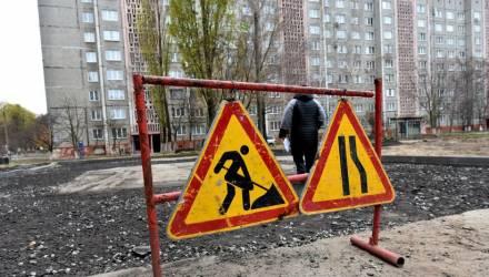 Успеть до морозов. В Советском районе Гомеля после выпадения снега продолжают копать