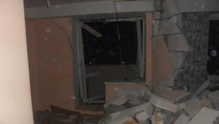 В Жлобине в многоэтажке произошёл взрыв: ударной волной снесло стену, окна и двери