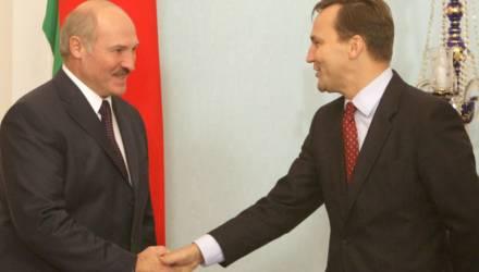 «Лесбиянки пусть будут, а пидо***в — за город в резервации». Бывший глава МИД Польши рассказал о переговорах с Лукашенко