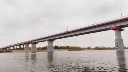 Прощай, надоевший понтон. Какой мост через Припять заменил скандально известный треснувший