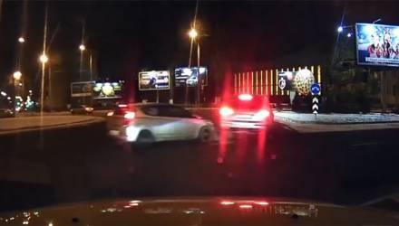 Что они творят? Видеоподборка о том, как гомельчанам не нужно вести себя на дороге