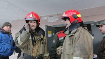 """""""Отпахали 14 часов как черти, а тут ещё он"""". Спасатель, которому нахамил на пожаре блогер, — об инциденте"""
