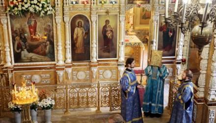 """Православные отмечают день иконы """"Всех скорбящих Радость"""""""