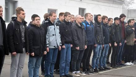 В Гомеле и Гомельском районе состоялись торжественные проводы молодых людей в армию