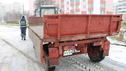 Готовность дорог, зимняя резина, габаритная техника: из-за сезонных рисков ГАИ Гомельщины усиливает контроль за ситуацией на трассах