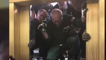 Лопнул трос. Лифт с пассажирами рухнул с 95-го этажа небоскрёба в Чикаго