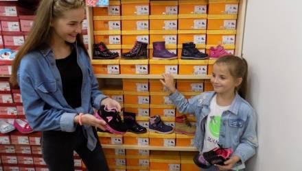 Госстандарт выявил в Гомеле и области опасную для детей обувь